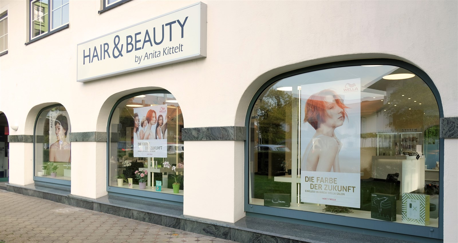 Hair and Beauty, Außenansicht